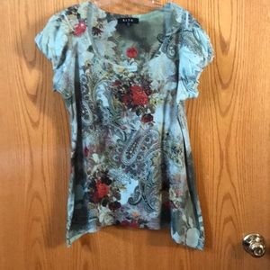 Paisley green floral blouse w ruffle sleeves